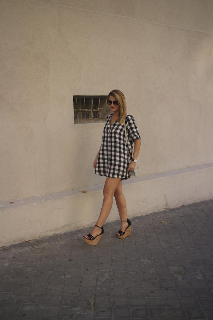 vestido cuadros sandalias cuña justfab ecco shoes bag amaras la moda Paula Fraile 6