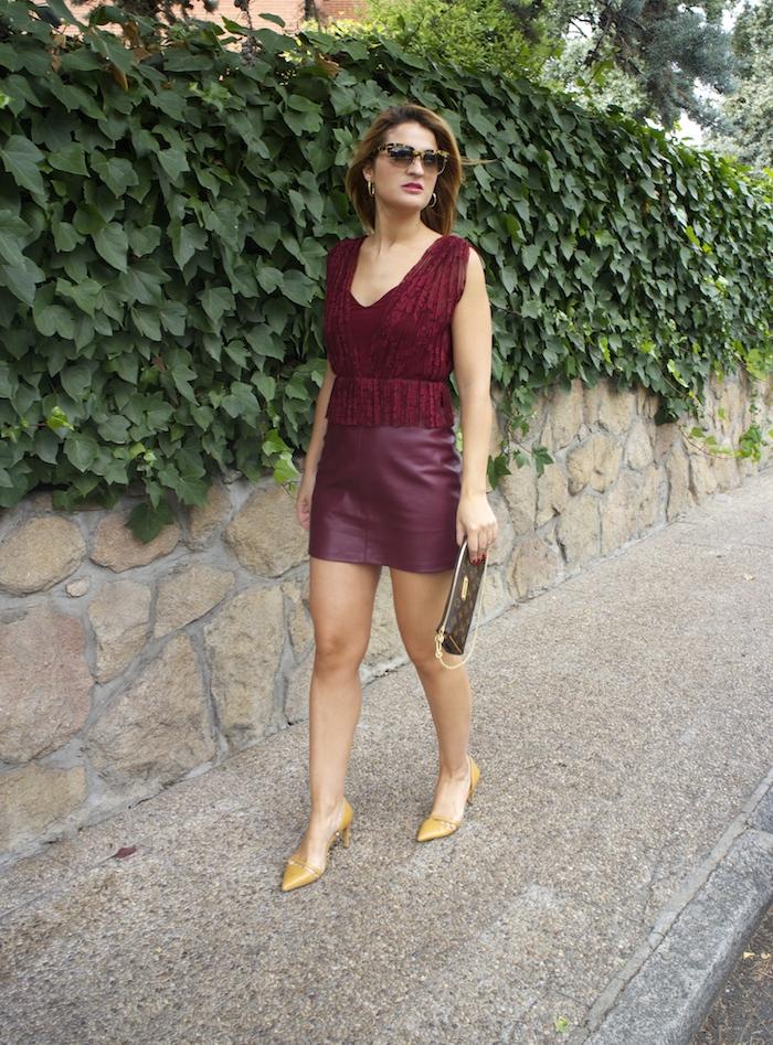 vestido zara encaje burgundy amaras la moda louis vuitton bag paula fraile