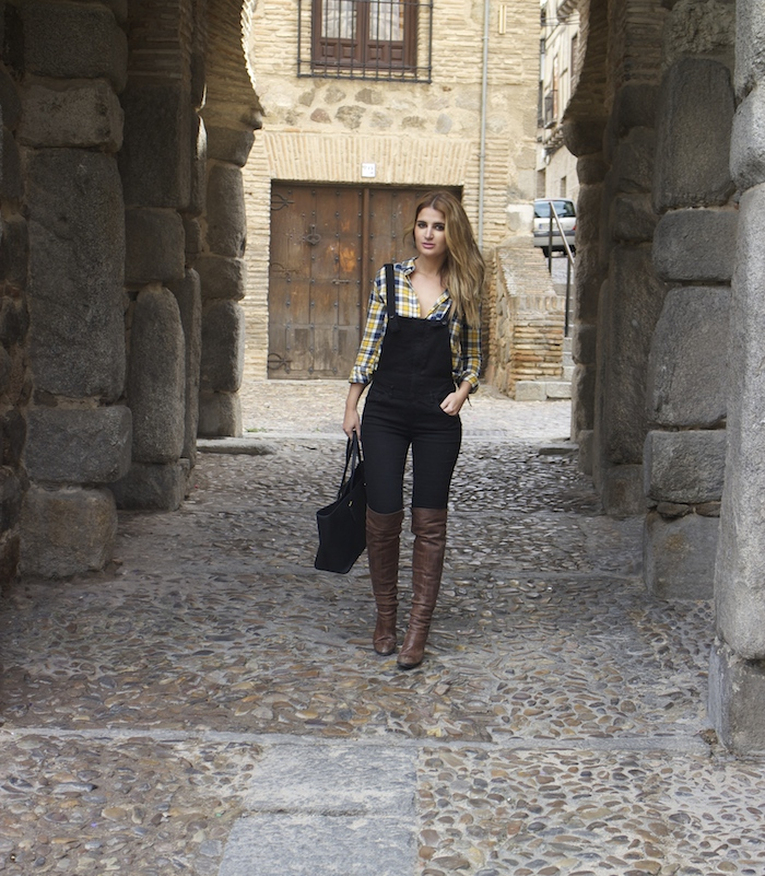 camisa cuadros primark mono zara botas Pons Quintana Amarás la moda Paula Fraile 3