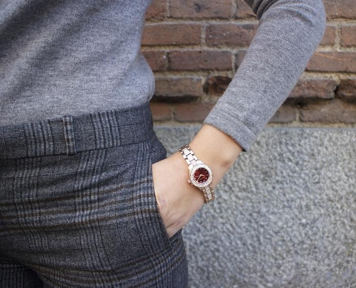 Marc Maddox watch Zara pants Carolina Herrera sweater Fendi bag amaras la moda Paula Fraile2