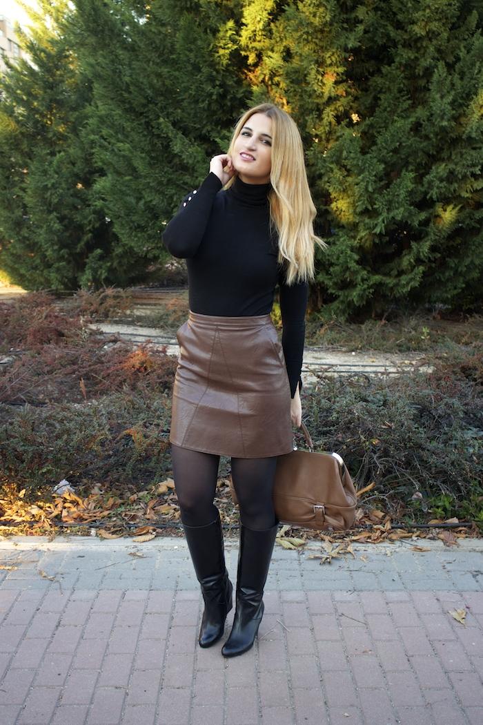 leather skirt zara  michael kors bag pilar burgos boots amaras la moda paula fraile10