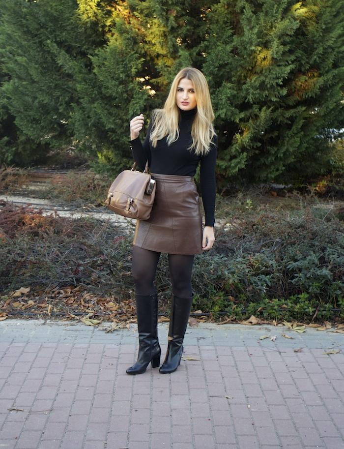 leather skirt zara  michael kors bag pilar burgos boots amaras la moda paula fraile3