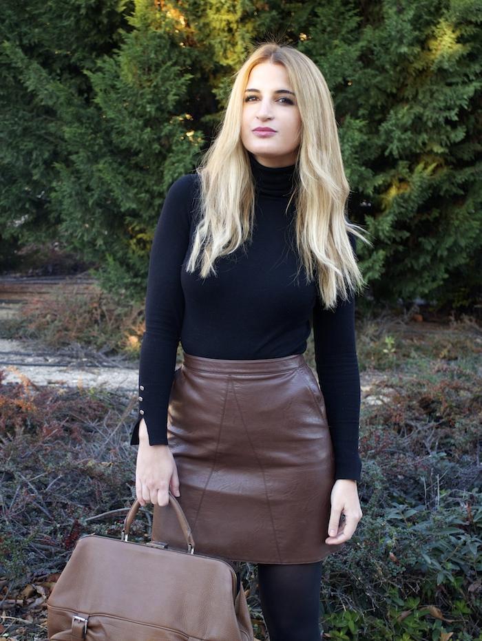 leather skirt zara  michael kors bag pilar burgos boots amaras la moda paula fraile6