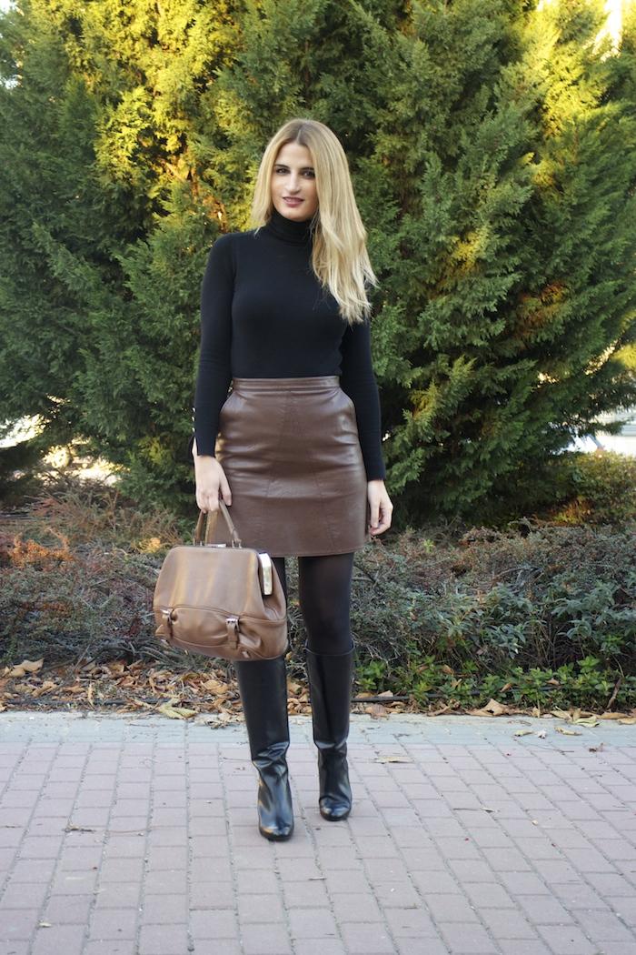 leather skirt zara  michael kors bag pilar burgos boots amaras la moda paula fraile7