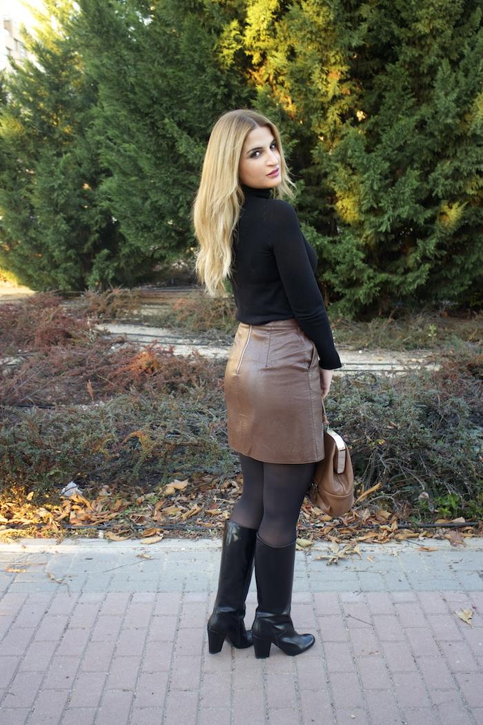 leather skirt zara  michael kors bag pilar burgos boots amaras la moda paula fraile9