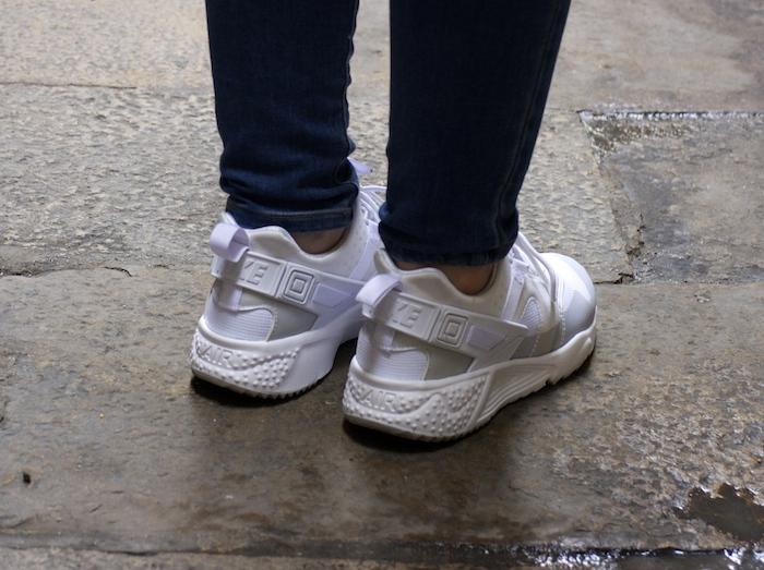 shana jacket michael kors jeans Prada bag Huarache Nike sneakers Amaras la moda Paula Fraile7