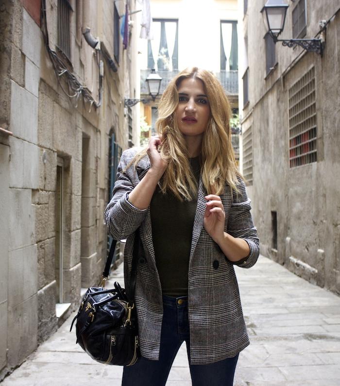 shana jacket michael kors jeans Prada bag Huarache Nike sneakers Amaras la moda Paula Fraile8