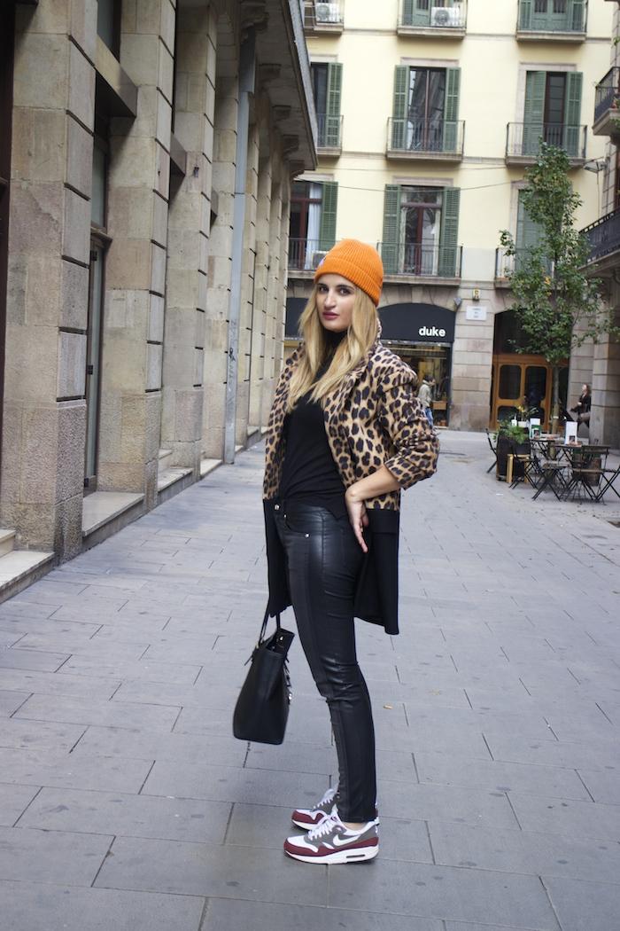 verace jeans zara coat pull and bear bonnet amaras la moda paula fraile2