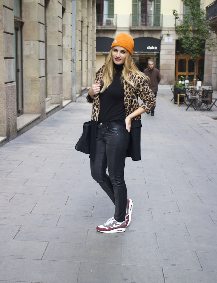 verace jeans zara coat pull and bear bonnet amaras la moda paula fraile6