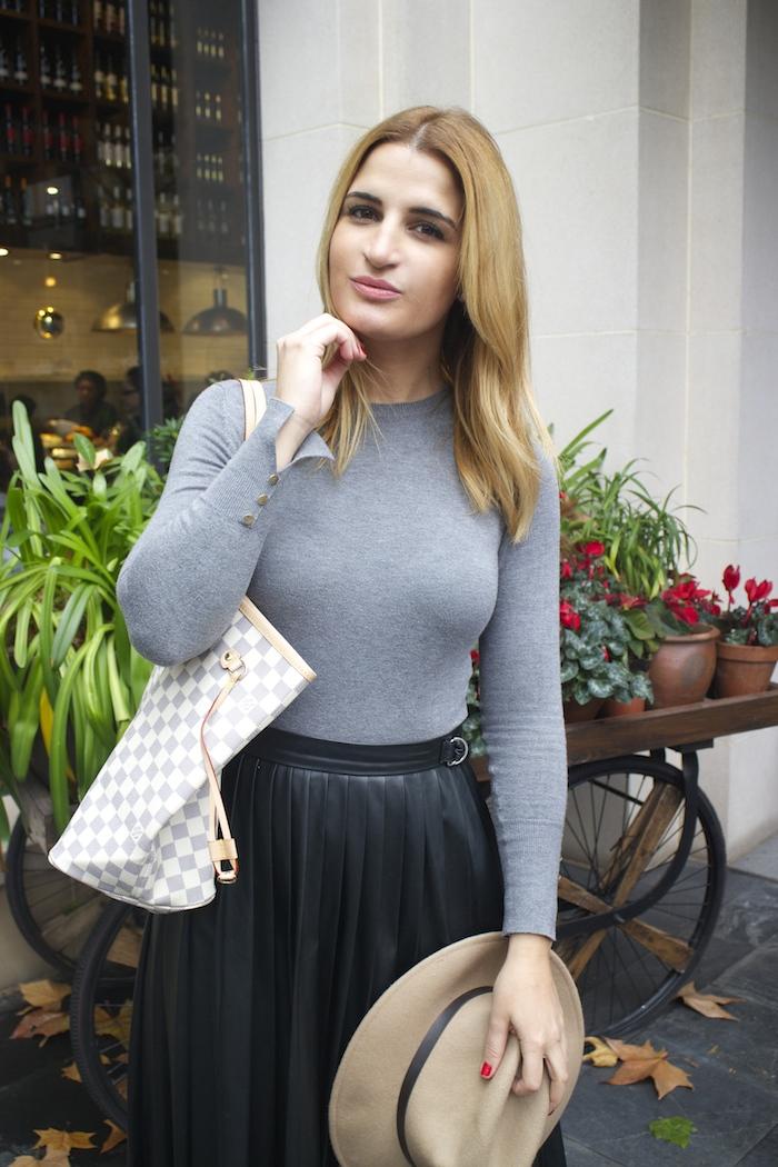 Louis vuitton bag leather skirt amaras la moda Paula Fraile