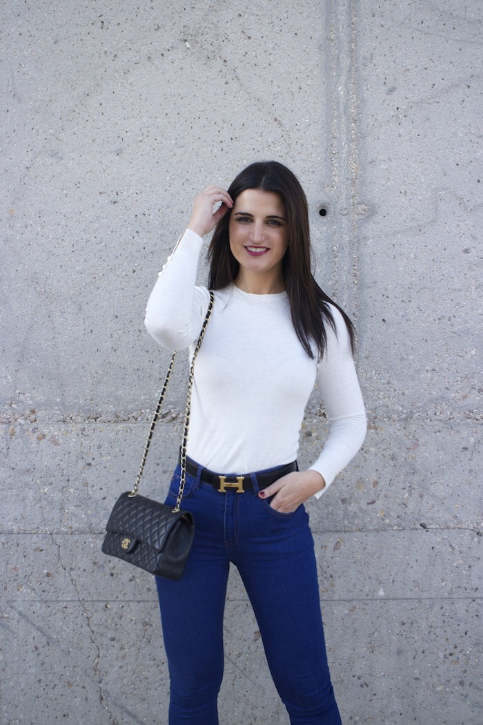 hermes belt chanel bag capri jeans white amaras la moda paula fraile13