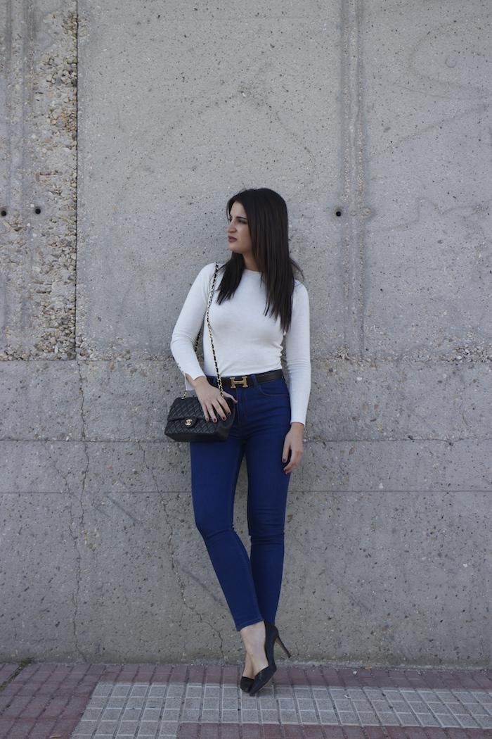 hermes belt chanel bag capri jeans white amaras la moda paula fraile2