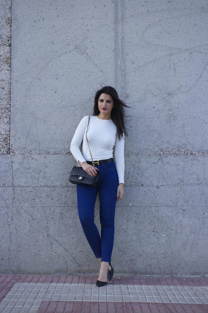 hermes belt chanel bag capri jeans white amaras la moda paula fraile7