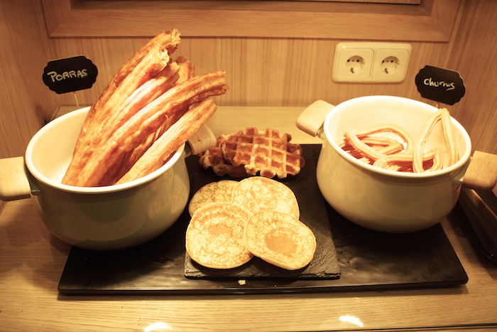 sailor shirt  bellini food and bar cvincci centrum amaras la moda paula fraile chanel bag breakfast.6