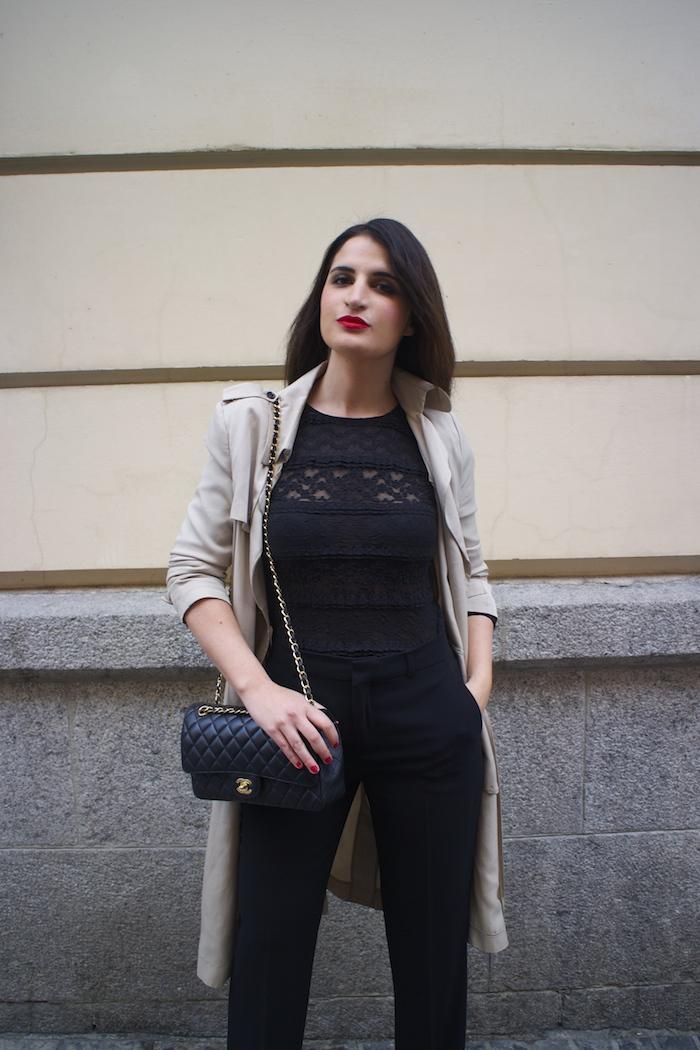 trench La Redoute chanel bag black amaras la moda paula fraile