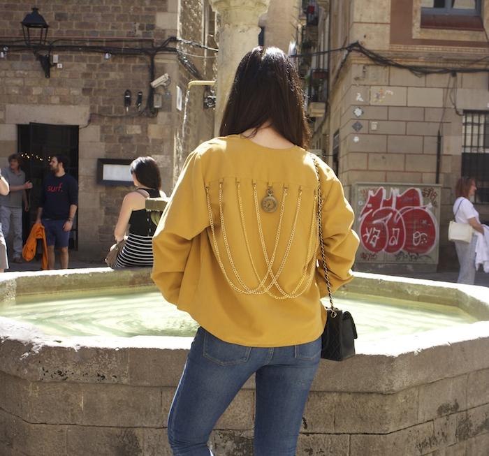 chaqueta reloj michael kors jeans chanel bag nike sneakers amaras la moda paula fraile3