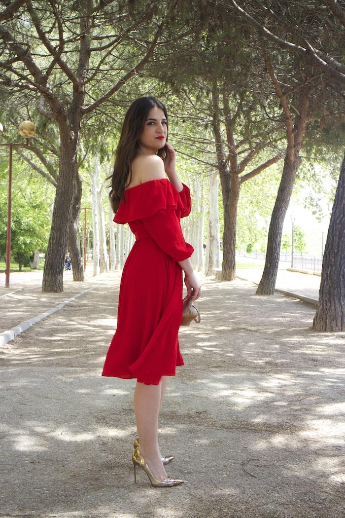 tintoretto mujer amaras la moda vestido rojo escote brigitte paula fraile stiletto sergio rossi.8