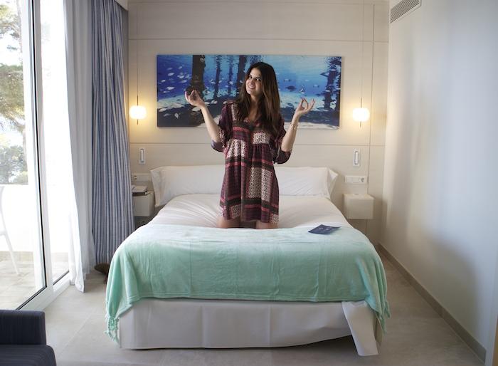 hotel iberostar SantA Eulalia Ibiza amaras la moda Paula Fraile2
