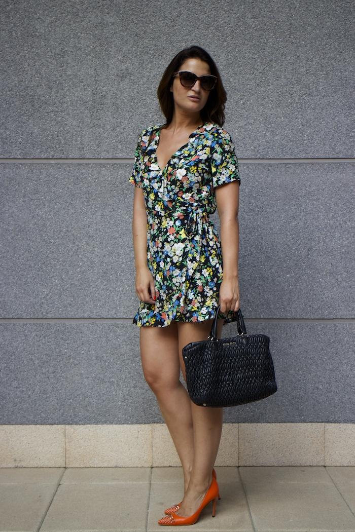 topshop flower dress amaras la moda Gucci heels Miu miu bag paula fraile4