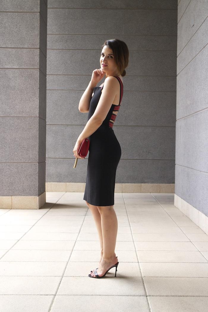 versace dress amaras la moda back carolina herrera heels yves saint laurent bag.6