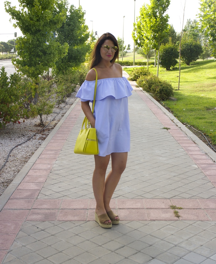 loavies dress acosta bag chanel sunnies amaras la moda paula fraile.2