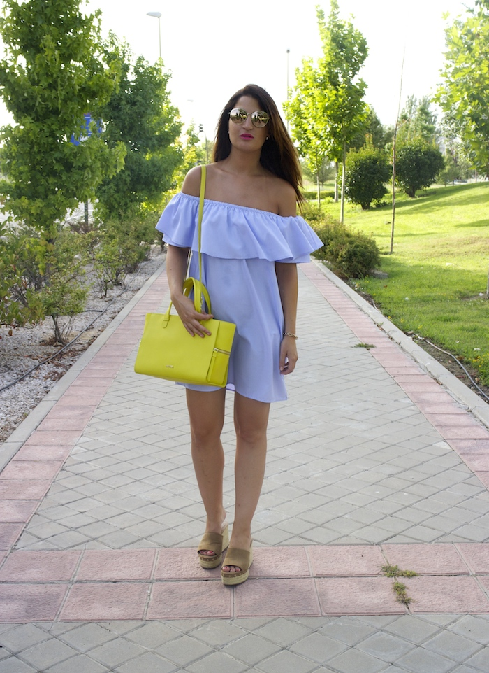 loavies dress acosta bag chanel sunnies amaras la moda paula fraile.4