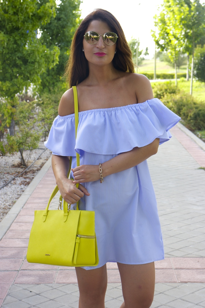 loavies dress acosta bag chanel sunnies amaras la moda paula fraile.5