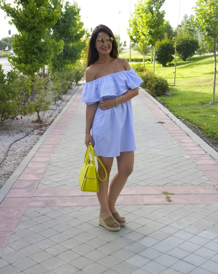 loavies dress acosta bag chanel sunnies amaras la moda paula fraile.6