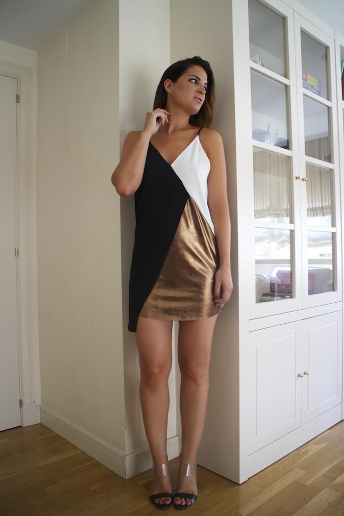 vestido metalizado zara sandalias Carolina Herrera Paula Fraile Amaras la moda
