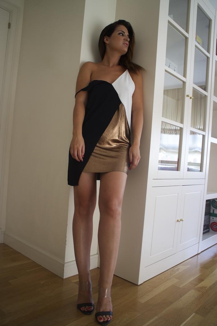 vestido metalizado zara sandalias Carolina Herrera Paula Fraile Amaras la moda6