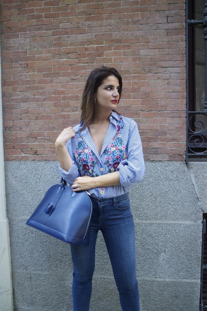 louis-vuitton-bag-alma-jbrand-jeans-zara-shirt-flores-bordadas-amaras-la-moda-paula-fraile-5