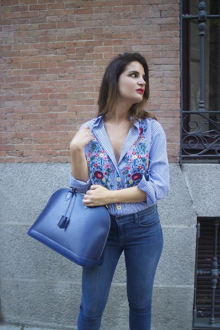 louis-vuitton-bag-alma-jbrand-jeans-zara-shirt-flores-bordadas-amaras-la-moda-paula-fraile