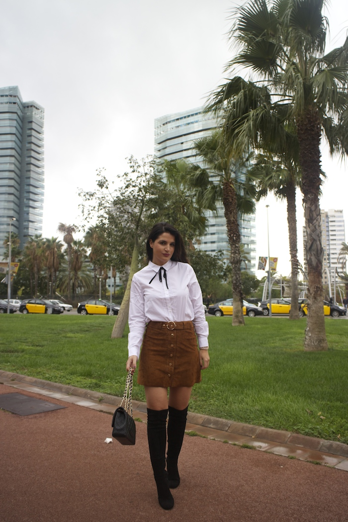 barcelona-embajadora-pulseras-the-rubz-over-the-knee-boots-camisa-la-redoute-amaras-la-moda-paula-fraile9