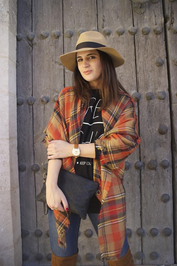 embajadora-henry-london-look-jeans-pasmina-cuadros-paula-fraile-amaras-la-moda2
