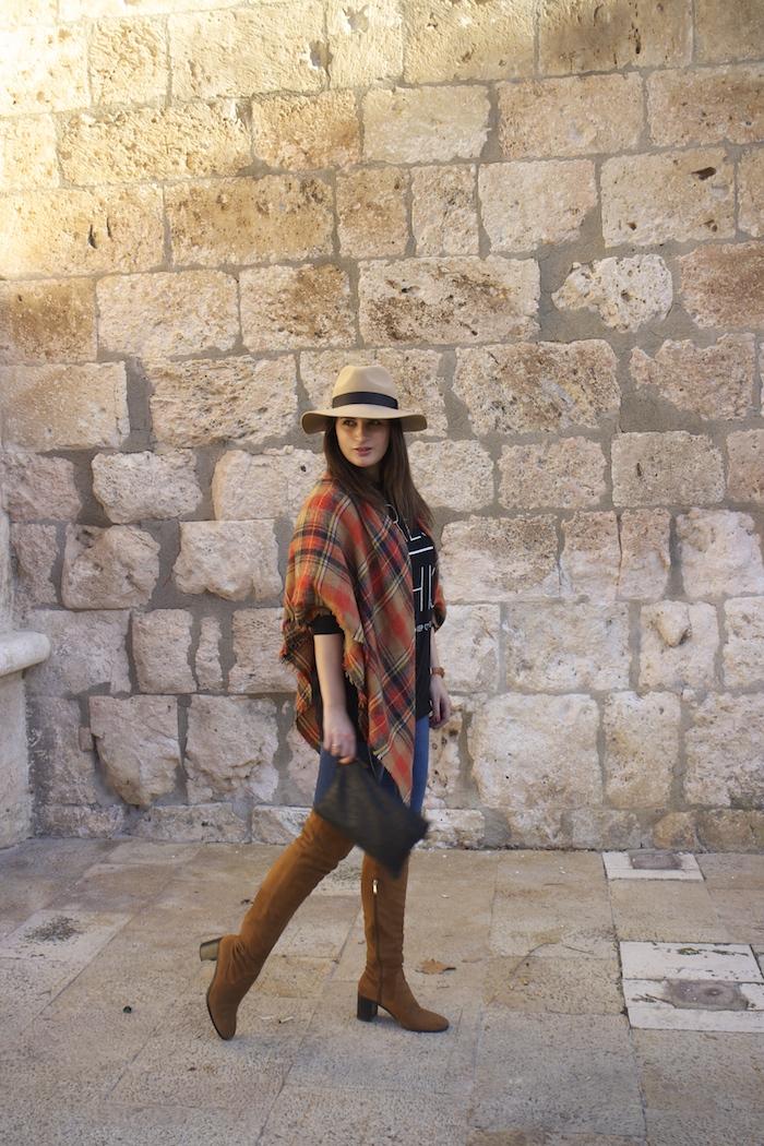 embajadora-henry-london-look-jeans-pasmina-cuadros-paula-fraile-amaras-la-moda3