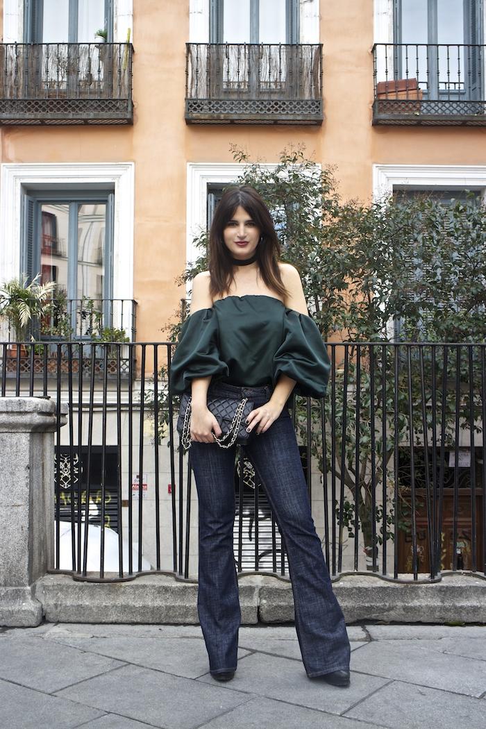top raso verde palabra de honor zara jeans amaras la moda paula fraile