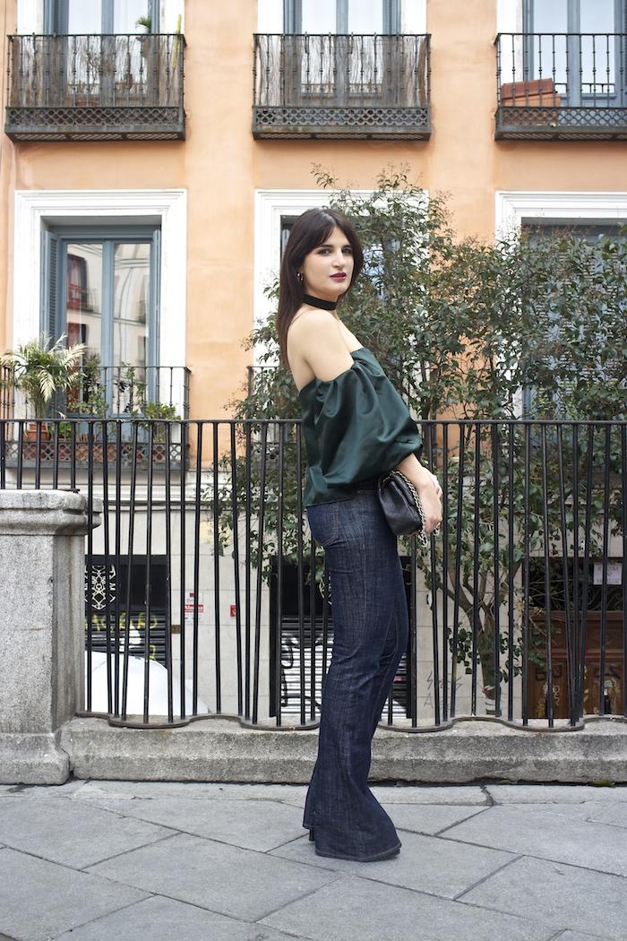 top raso verde palabra de honor zara jeans amaras la moda paula fraile.2