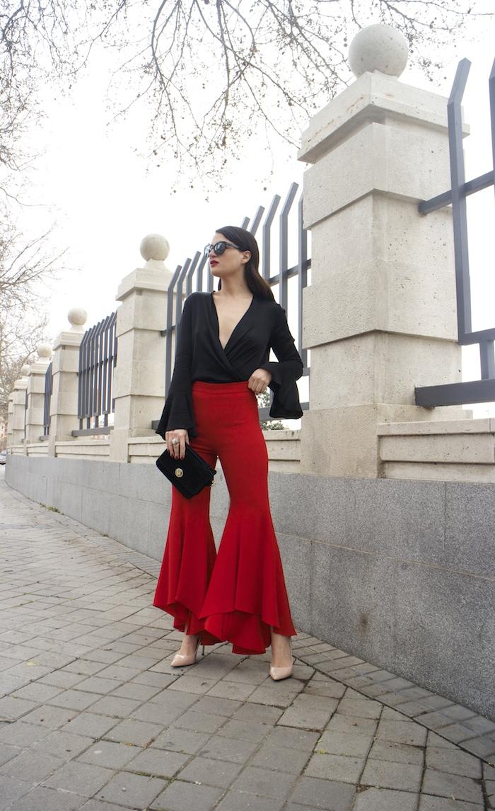 pantalón volantes rojo zara camisa volantes chaqueta volantes Zara stilettos uterque gafas chanel optica roma amaras la moda paula fraile velasco.3
