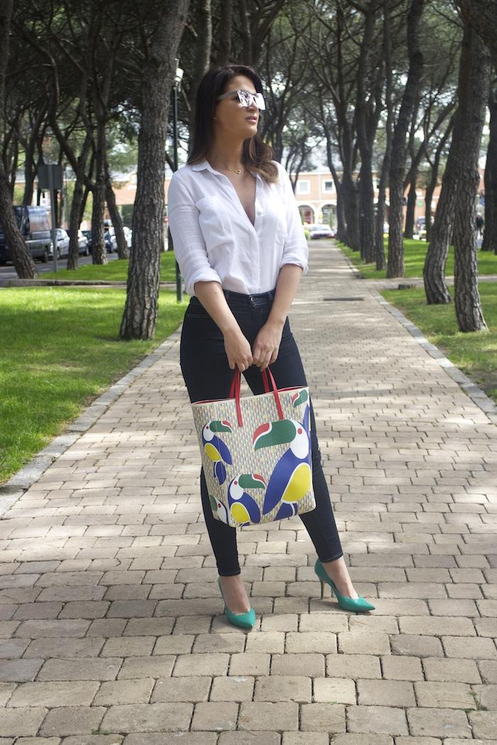sunper sunglasses amaras la moda paula fraile Carolina Herrera bag9