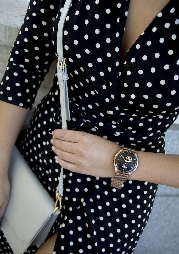 reloj henry london vestido dolores promesas paula fraile amaras la moda Nicholas Kirkwood2