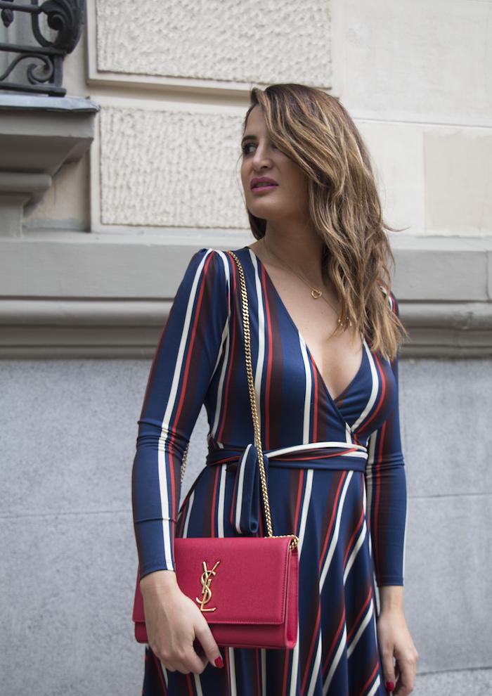vestido rayas zara bolso Yves Saint Laurent uterque stilettos amaras la moda paula fraile.10