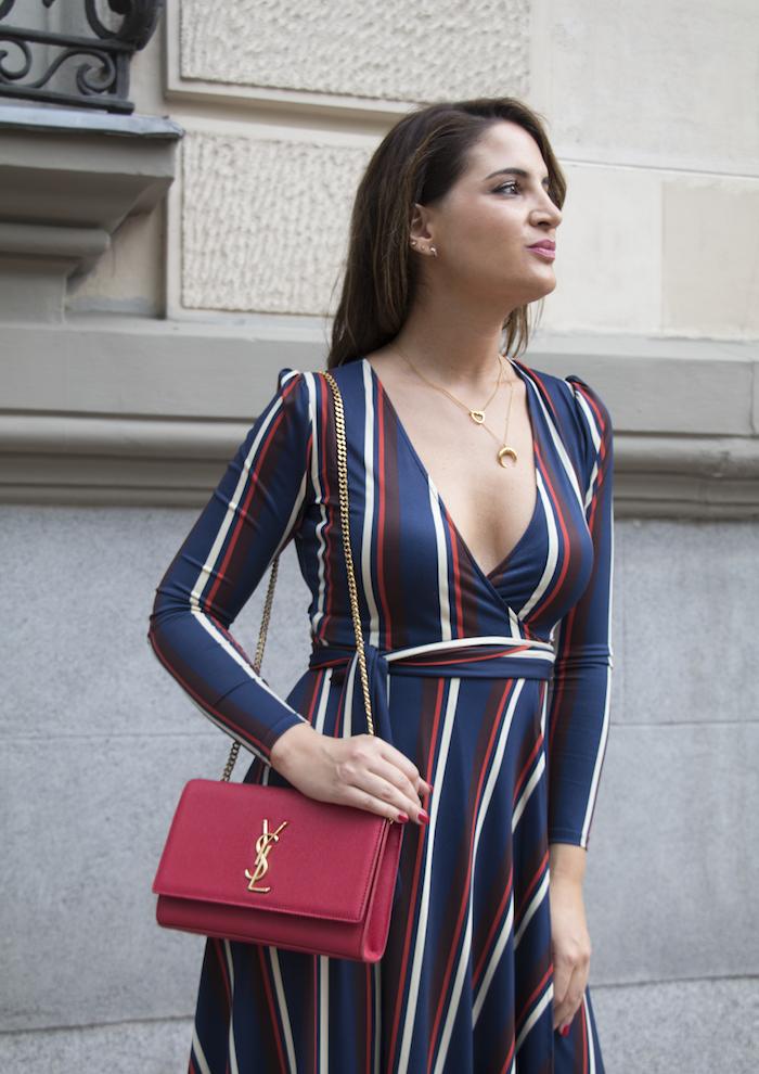 vestido rayas zara bolso Yves Saint Laurent uterque stilettos amaras la moda paula fraile.11