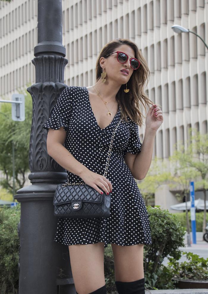 vestido zara lunares gafas la optica online bolso chanel amaras la moda paula fraile.3