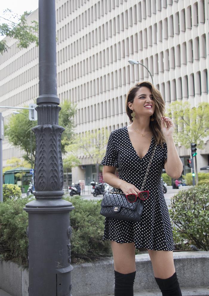 vestido zara lunares gafas la optica online bolso chanel amaras la moda paula fraile.4