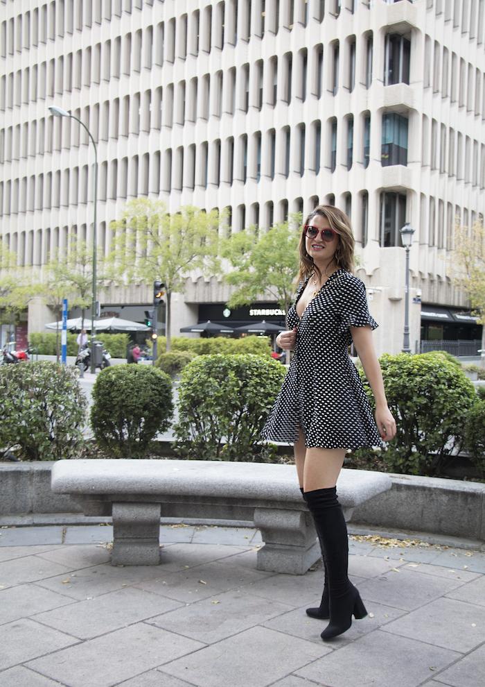 vestido zara lunares gafas la optica online bolso chanel amaras la moda paula fraile.6